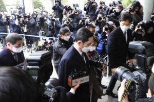 """""""리더십 공백 현실로""""… 이재용 법정구속에 삼성 초격차 전략 '빨간불'"""