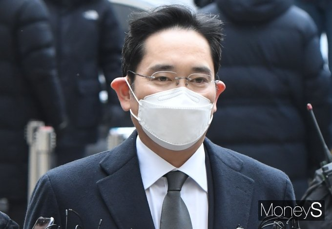 이재용 삼성전자 부회장이 18일 국정농단 파기환송심에서 실형을 선고받았다. / 사진=장동규 기자