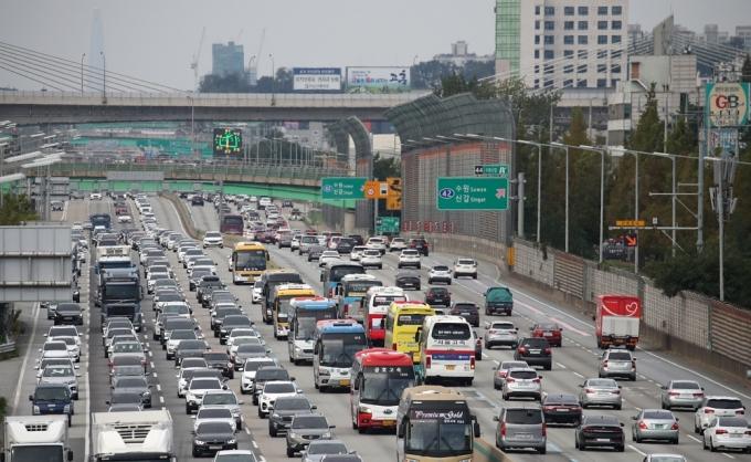 올해 발생한 고속도로 사망자 8명 중 5명이 2차사고가 원인으로 나타났다. /사진=뉴스1 이승배 기자