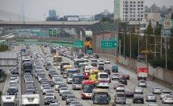 고속도로 사망자 8명 중 5명, '2차사고' 탓