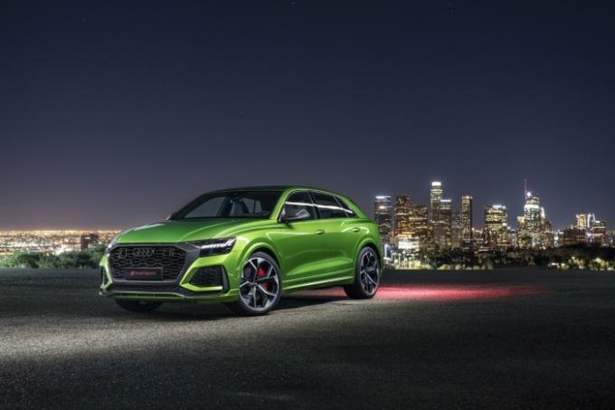 한국타이어앤테크놀로지가 독일 아우디의 600마력 SUV 'RS Q8'에 '벤투스 S1 에보3 SUV'와 '윈터 아이셉트 에보2 SUV'를 신차용 타이어로 공급한다고 20일 밝혔다. /사진제공=한국타이어