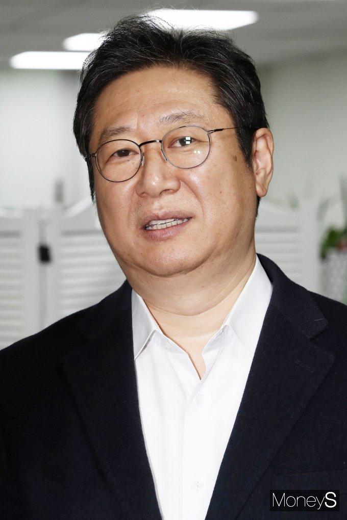 [머니S포토] 문체부 박양우 장관,바톤 받게될 황희 의원