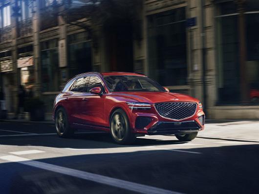 반자율주행시스템을 탑재한 자동차 판매량이 늘면서 해당 자동차가 사고났을 경우 보험처리 과정에 대해 관심도 커지고 있다. 사진은 제네시스 GV70./사진=현대자동차