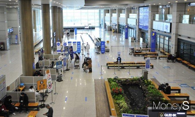 [머니S포토] 한산한 인천공항 입국장