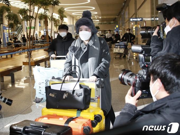 방송인 에이미가 20일 인천국제공항을 통해 중국 광저우에서 입국하고 있다. 2021.1.20/뉴스1 © News1 권현진 기자