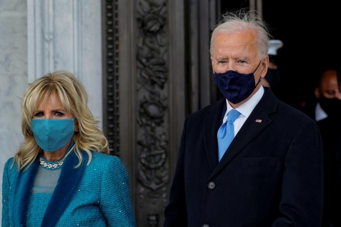 바이든, 백악관 입성… 5시15분부터 공식 업무 돌입