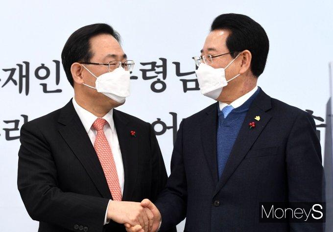 [머니S포토] 김영록 전라남도지사 접견하는 주호영