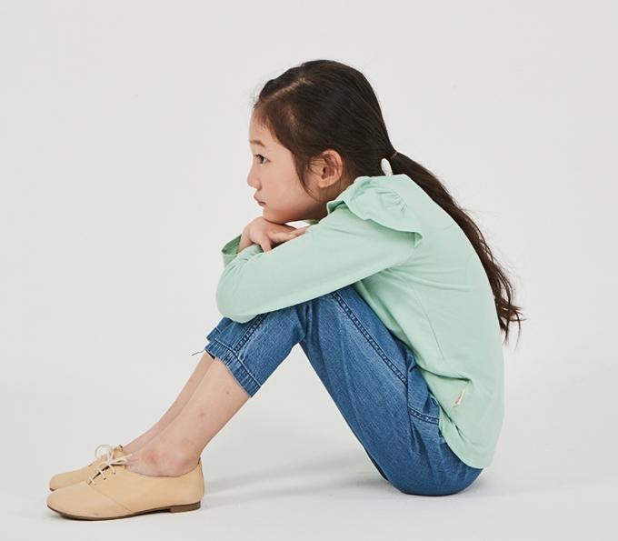 [건강] 초경 시작한 우리 아이, 생리통 증상과 관리법은?