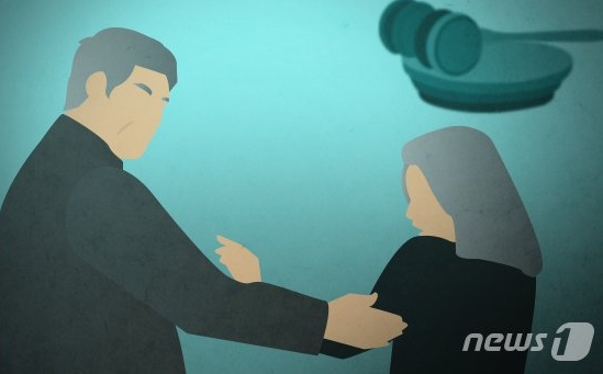 여자 중고생 10여명을 협박해 성폭행한 40대 남성이 징역 20년을 선고받았다. /사진=뉴스1