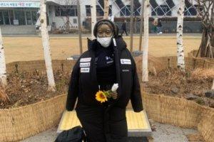 강동구 평화의소녀상에 일본 브랜드 '데상트'를 왜?