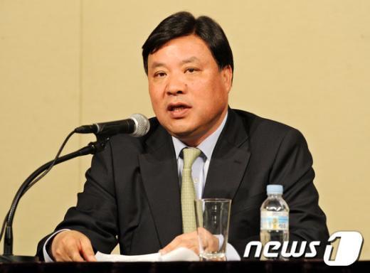 서정진 셀트리온 회장이 지난 2013년 4월 16일 공매도 관련 기자회견을 갖고 있다./사진=뉴스1