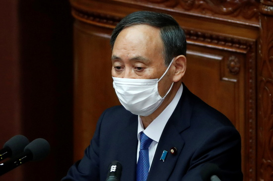 도쿄올림픽을 취소할 경우 일본이 떠안을 경제적 손실이 4조5000억엔(약 48조원)에 달하는 것으로 알려졌다. 사진은 스가 요시히데 일본 총리. /사진=로이터