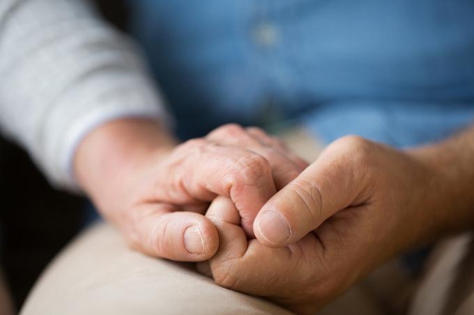 미국에서 70년을 해로한 노부부가 신종 코로나바이러스 감염증(코로나19)으로 함께 세상을 떠났다. /사진=이미지투데이