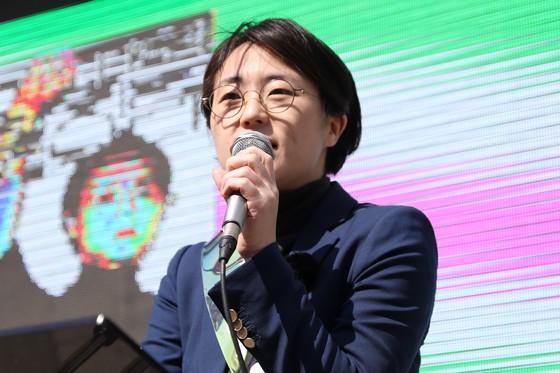 신지예 한국여성정치네트워크 대표를 성폭행한 혐의로 재판에 넘겨진 남성이 징역 3년6개월을 선고받은 데 대해 여성단체가 항의하고 나섰다. /사진=뉴스1