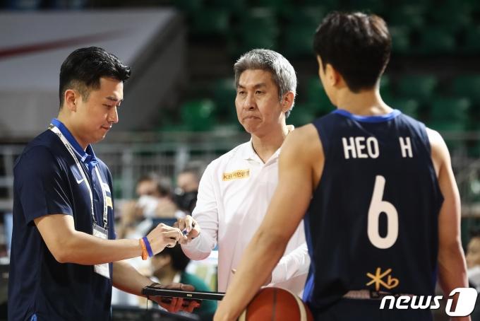 농구 대표팀의 김상식 감독. /뉴스1 © News1 유승관 기자