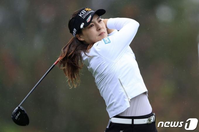 전인지가 24일(한국시간) LPGA투어 다이아몬드 리조트 챔피언스 토너먼트 3라운드에서 샷을 날리고 있다.  © AFP=뉴스1