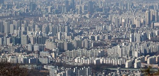 한국부동산원에 따르면 지난 18일 기준 수도권 아파트 매매수급지수는 전주보다 1.9포인트(p) 상승한 117.2를 기록, 역대 최고치를 나타냈다. /사진=뉴스1