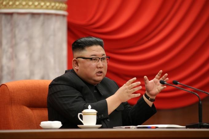 북한이 조 바이든 미국 대통령에 대한 공식 입장을 밝히고 있지 않은 가운데 북한 선전매체가 바이든 대통령의 이름을 처음으로 언급했다. 사진은 김정은 북한 국무위원장이 지난 10일 북한 노동당 전원회의를 진행하는 모습. /사진=뉴스1(노동신문 제공)