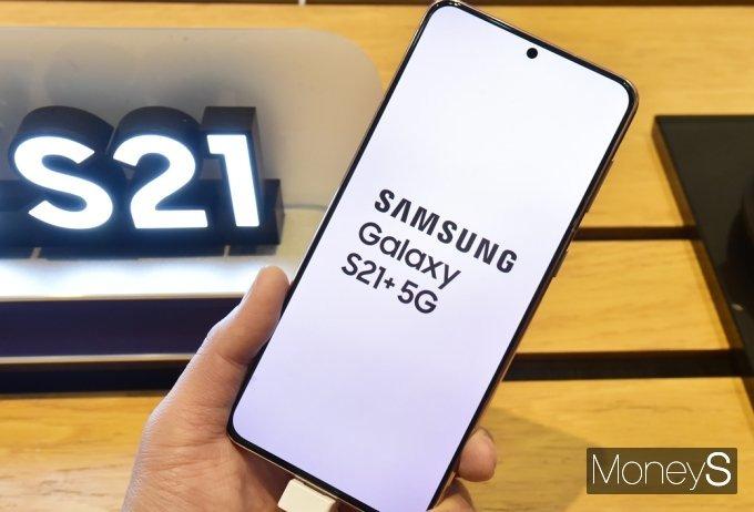 """갤럭시S21 오류는 5G 때문?… """"카메라 쓰려면 LTE우선모드"""""""
