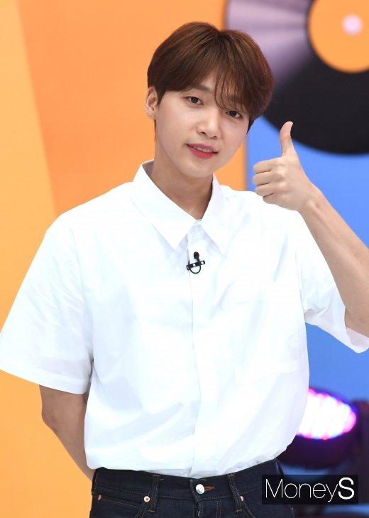 가수 정세운이 KBS 쿨FM '조우종의 FM대행진'에 출연한 가운데 그에 대한 관심이 높아지고 있다. /사진=장동규 기자