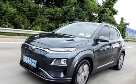 지난해 10월8일 국토교통부는 현대자동차가 제작 판매한 코나 전기차(프로젝트명 OS EV)에서 제작결함이 발견돼 자발적으로 리콜한다고 밝혔다. /사진제공=현대자동차