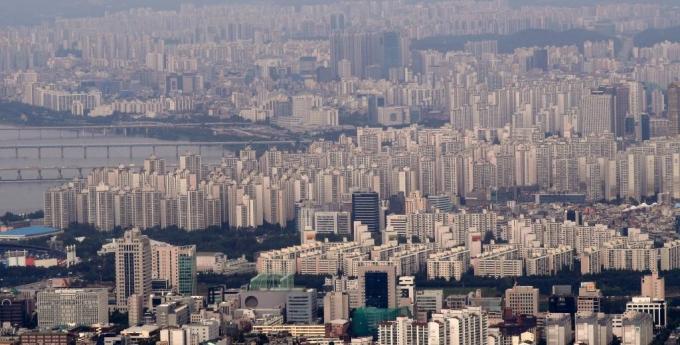 경제만랩은 지난해 3.3㎡당 1억원 이상에 거래된 아파트 건수가 790건으로 나타났다고 밝혔다. 지난해 3.3㎡당 1억원 초과 아파트는 68곳이었다. /사진=머니투데이