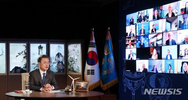 """문 대통령 """"한국, 국경·봉쇄 한번도 안해… 안정적인 투자처"""""""
