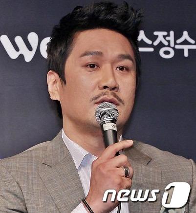 현 정부를 비판한 글을 게재했다가 누리꾼의 뭇매를 받은 가수 JK김동욱이 프로그램 하차 심경을 전했다. /사진=뉴스1