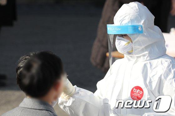 광주 안디옥교회도 '집단감염'… 전국 일평균 402.7명