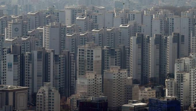 한국부동산원이 2021년 1월 4주(25일 기준) 전국 주간 아파트가격 동향을 조사한 결과 매매가격은 0.29% 상승, 전세가격은 0.23% 상승했다. /사진=머니투데이