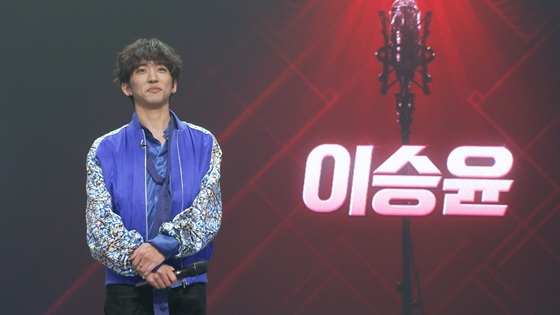 가수 이승윤이 JTBC '싱어게인' 파이널 결승으로 가기 위해 파격적인 무대를 예고했다. /사진=JTBC 제공