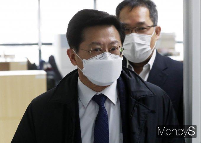 [머니S포토] 실무회의 참석하는 박홍준 대한의사협회 부회장