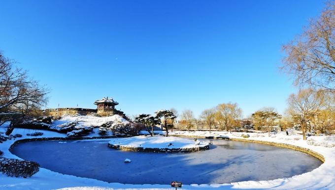 겨울철 수원화성 방화수류정과 용연 일대의 풍경. / 사진제공=수원시