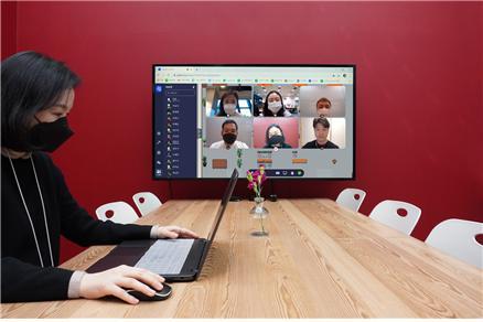 직방은 뉴노멀(새로운 일상) 시대에 맞춰 급변하는 환경에 빠르게 적응하고 효율적인 업무 환경을 구축하고자 새로운 근무 체제를 마련했다. /사진제공=직방