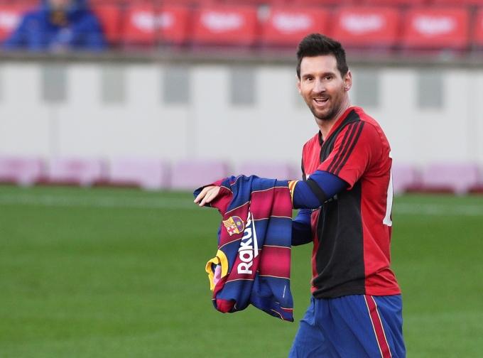 맨시티가 바르셀로나의 리오넬 메시 영입을 포기하지 않았다는 언론 보도가 나왔다. /사진=로이터