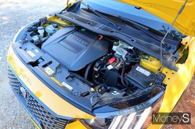 e-208은 50kWh 배터리를 탑재했으며 WLTP 기준 340km, 환경부 기준으로는 244km까지 주행이 가능하다. /사진=박찬규 기자