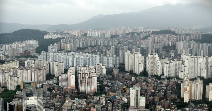 정부 규제 효과일까?… 아파트값 상승세 주춤했다