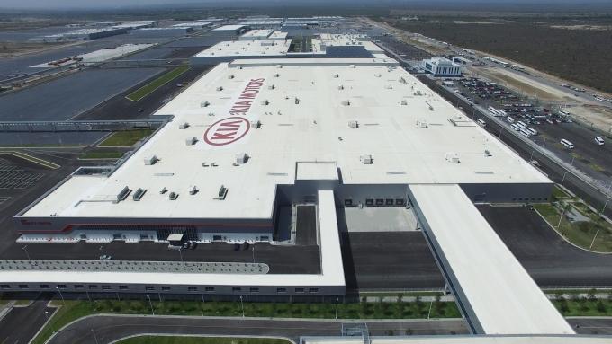 기아 멕시코 공장이 미국에 덮친 한파 여파로 가동을 임시 중단했다. 미국이 한파로 인해 정전사태에 시달리면서 미국산 천연가스 수급이 어려워졌기 때문이다./사진=기아