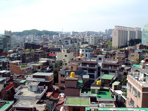 서울 마포구는 상세주소가 없는 원룸, 단독‧다가구주택 및 상가 등을 대상으로 상세주소를 부여하는 사업을 실시한다고 밝혔다. 사진은 마포구 동교동 일대./사진제공=마포구