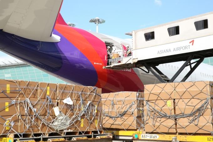 아시아나항공이 A350-900 여객기 2대에 대한 화물기 추가 개조를 완료했다고 22일 밝혔다./사진=아시아나항공