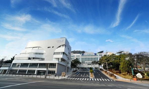 구리시(시장 안승남)는 지난 18일 '구리시, 수상한 이전' SBS 방송 보도 내용에 관련해 객관적인 사실관계를 조목조목 밝혔다. / 사진제공=구리시