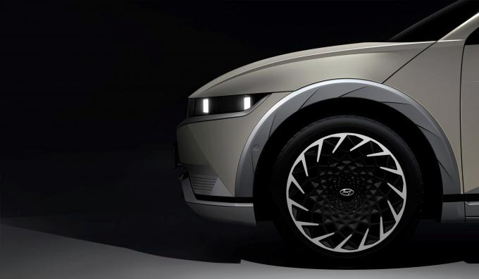 현대차는 아이오닉 5에 실험적이고 독창적인 디자인을 적용했다. /사진제공=현대차