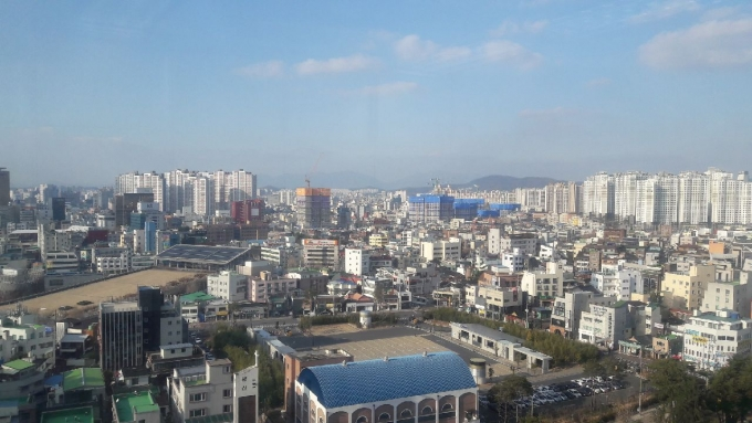 광주지역 공가 10가구 중 7가구 이상은 아파트였으며, 전남은 전국에서 가장 높은 공가율을 보였다.광주광역시 동구 전경/사진=머니S DB.
