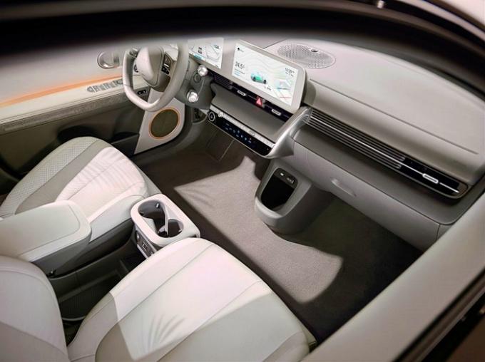현대차는 아이오닉 5의 국내 사전 계약을 25일부터 시작한다. /사진제공=현대차