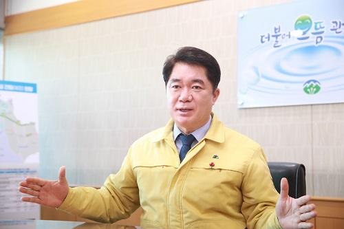 서울 관악구는 국토교통부에서 주관한 지적관리 국고보조금 공모 사업에 최종 선정됐다고 밝혔다. 사진은 박준희 관악구청장./사진제공=관악구