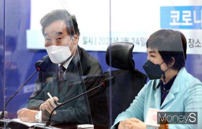 """[머니S포토] 민주당 이낙연 """"국산 토종백신 꼭 만드시길…개발만 하면 사드릴 것"""""""