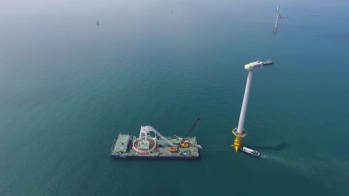 서남해 해상풍력 1단계 실증사업에 대한전선의 케이블이 시공되고 있다. / 사진=대한전선