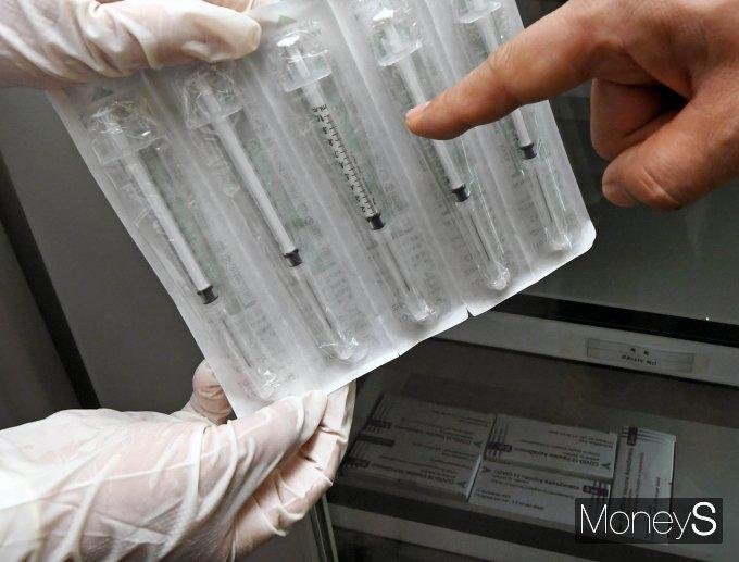 [머니S포토] 코로나19 백신 전용 주사기 공개