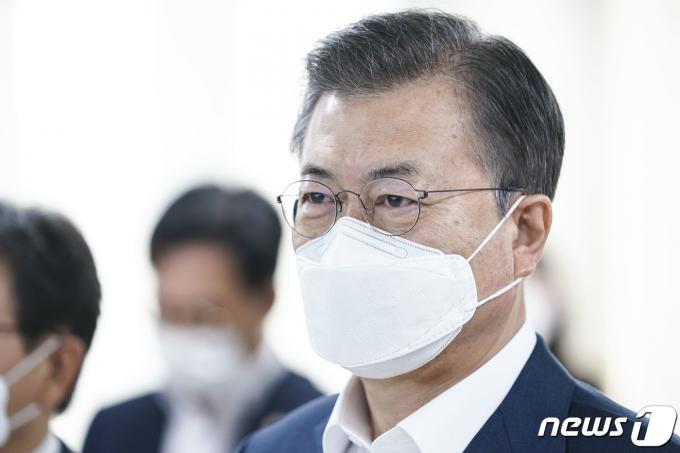 문재인 대통령 지지율, 39% 횡보세… 민주당 36%·국민의힘 23%