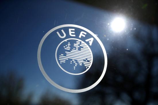 스위스 니옹에 위치한 UEFA 본부 건물에 부착된 UEFA 앰블럼. /사진=로이터